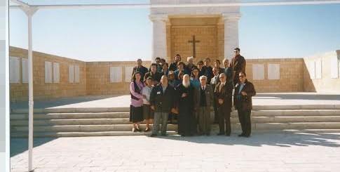 Με τον Πατριάρχη Παρθένιο μπροστά στο Μνημείο
