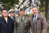 Ο Πρόεδρος του ΔΣ του ΣΕΑΝ Θεόδωρος Μπριάνης και το μέλος του ΔΣ Λουκάς Ρίζος με τον Επιτελάρχη του ΓΕΕΘΑ  Υποστράτηγο Κων/νο Φλώρο.