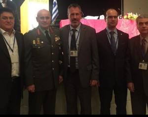 Με τον Αντιστράτηγο Δημόκριτο Ζερβάκη, Διοικητή 1ης ΣΤΡΑΤΙΑΣ/EL EU-OHQ . Από αριστερά Λ.Ρίζος, Θ.Μπριάνης, Γ.Μιχαήλ και Ε.Θεοδοσόπουλος